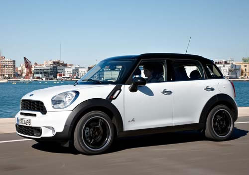 The Countryman retains Mini's retro aesthetic while capturing modern stylings.
