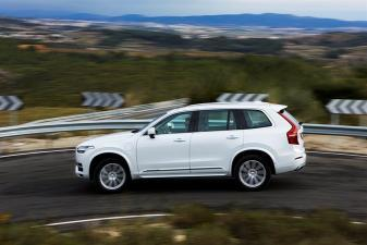 All_new_Volvo_XC90_on the road