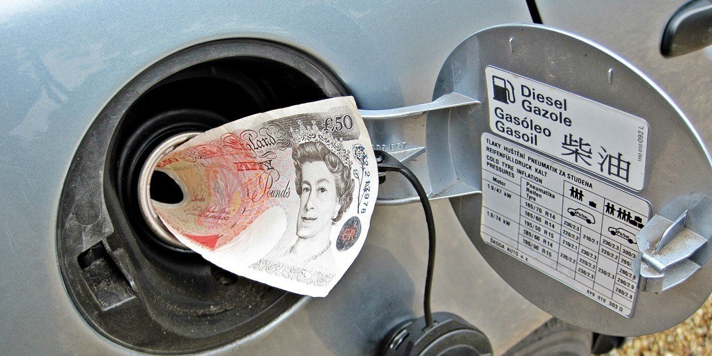 50 pounds note in petrol tank