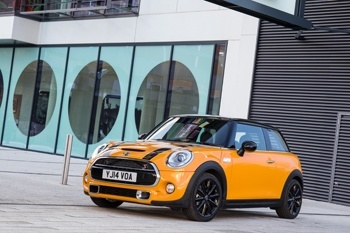 The new MINI Hatch is 98mm longer, 44mm wider and 7mm taller than its predecessor,