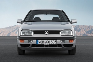 Safety was very much to the fore at the Volkswagen Golf Mk III appeared in August 1991.