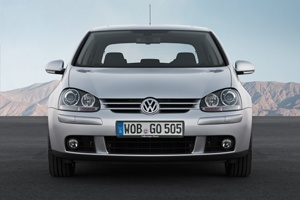"the Volkswagen Golf Mark V ""boasted levels of comfort and dynamic performance that left many competitors way behind in 2003,"""