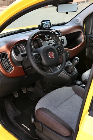 The Terrain Control in the new FIAT Panda Cross can help whatever the floor problems