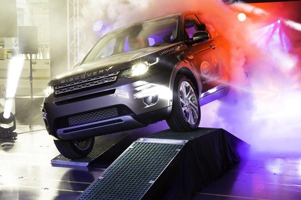 Tthe first production Land Rover Discovery Sport rolls off the Halewood Production Line