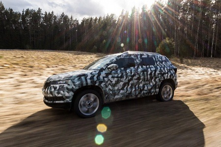 First images of the new Skoda Karoq side