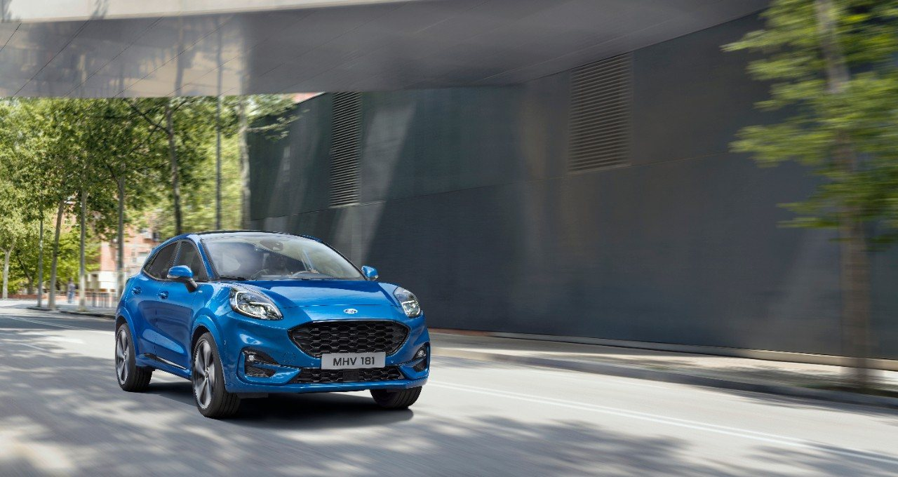 The new Ford Puma ST Line in Blazer Blue