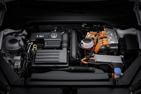Engine of the new Passat GTE