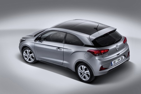 Hyundai New Generation i20 Coupe rear view