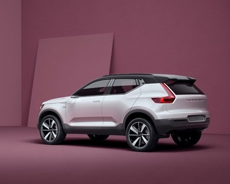 New Volvo Series 40 Concept Side View