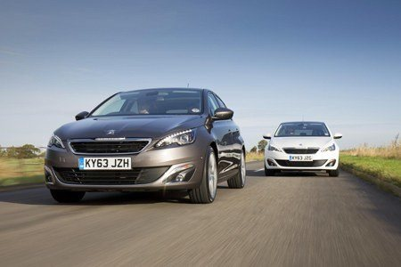 PEUGEOT 308s on the road
