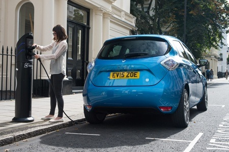 Renault ZOE being charged at a chargepoint