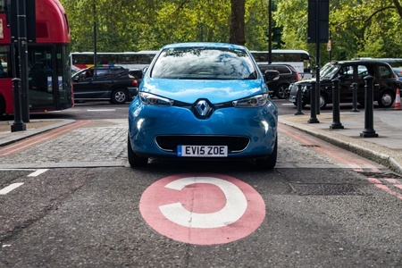 Renault ZOE on the road with no Congestion Charge