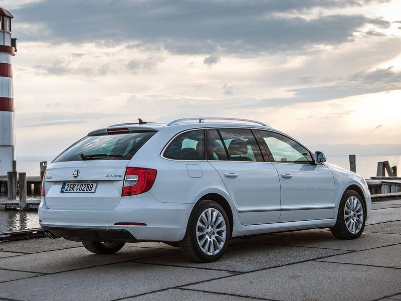 Skoda Superb Estate Exterior White Back