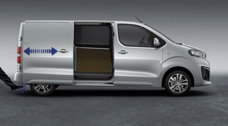 Sliding doors on the new Peugeot Expert