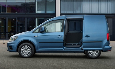 The new 2018 Volkswagen Caddy side view door open