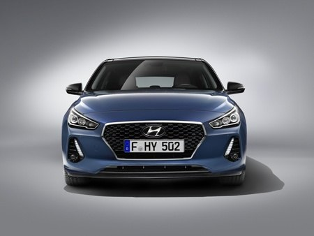 The new Hyundai i30 front view