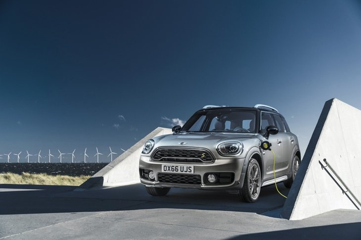 The new MINI Cooper S E Countryman ALL4