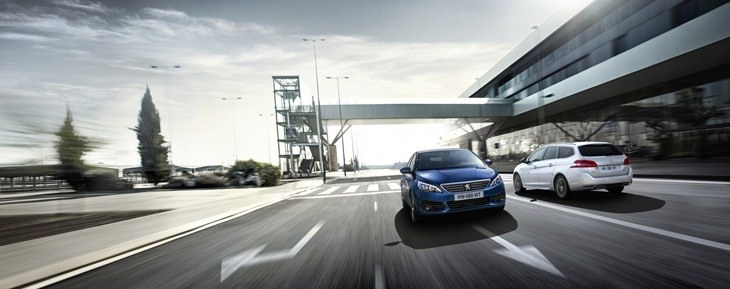 The new Peugeot 308 SW on the road