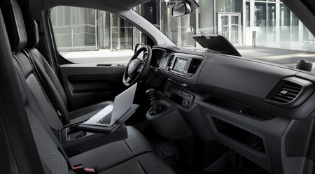 The new Peugeot Expert interior