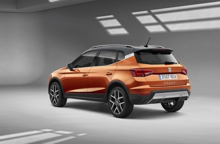 The new SEAT Arona rear view