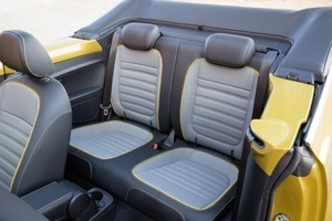 The new VW Beetle Dune Cabriolet seating