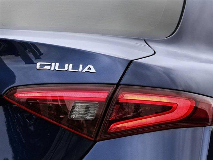 alfa romeo giulia 2 0 tb 280 veloce auto car leasing. Black Bedroom Furniture Sets. Home Design Ideas