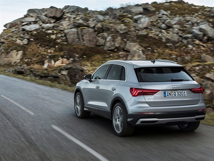 audi q3 40 tdi quattro s line s tronic c s pack car. Black Bedroom Furniture Sets. Home Design Ideas