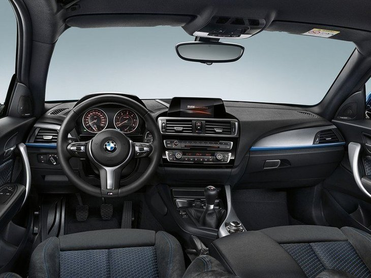 BMW 1 Series Interior Front 2