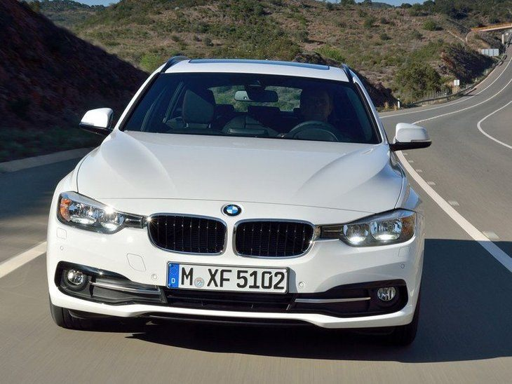 BMW 3 Series Touring White Exterior Front 2