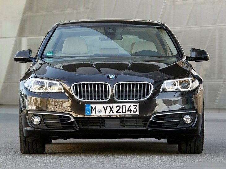 BMW 5 Series Touring Black Exterior Front