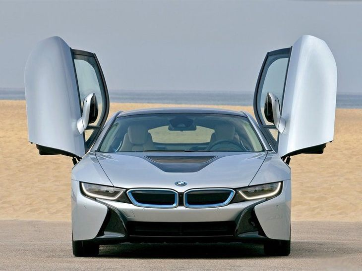 BMW i8 Silver Exterior Front 3
