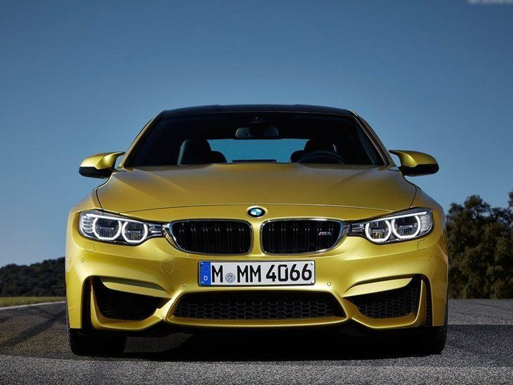 BMW M4 Coupe Green Exterior Front 2