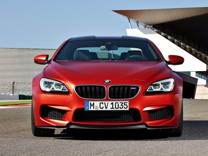 BMW M6 Coupe Red Exterior Front