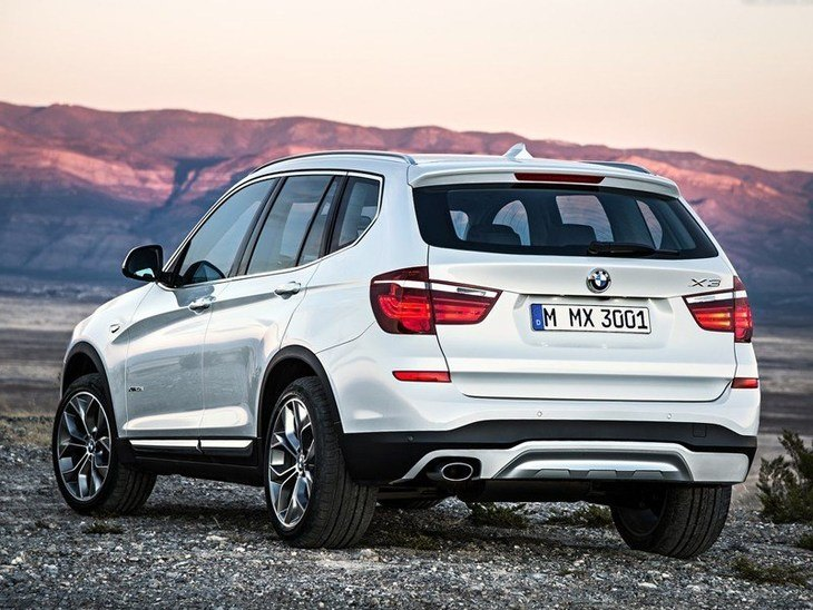 BMW x3 White Exterior Back