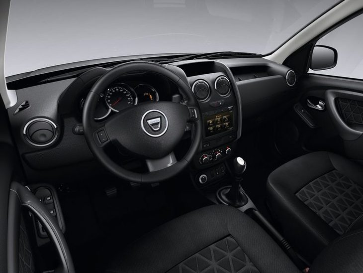 Dacia Duster Black Interior