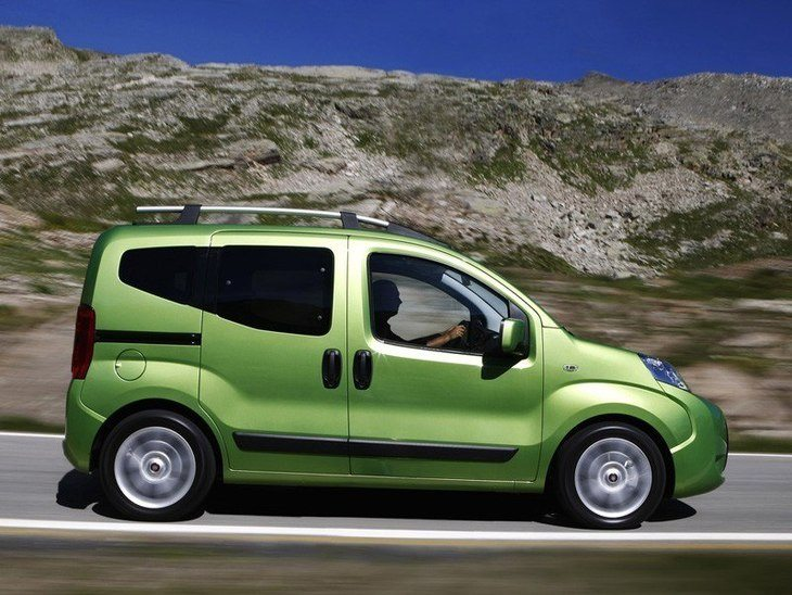 Fiat Qubo Green Exterior Side