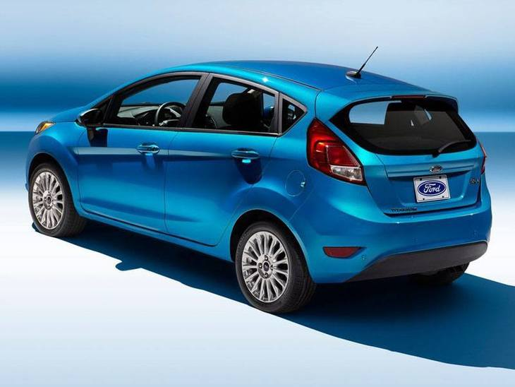 Ford Fiesta Blue Exterior Back2