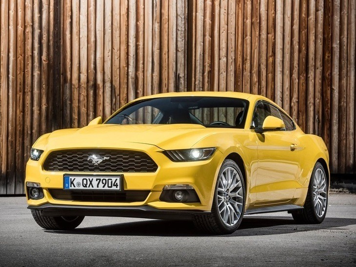 Ford Mustang Fastback Yellow Exterior Front