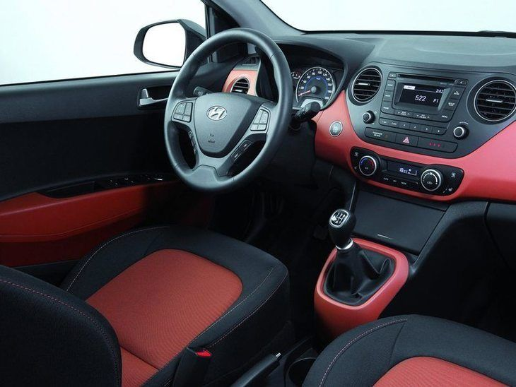 Hyundai i10 Black Interior