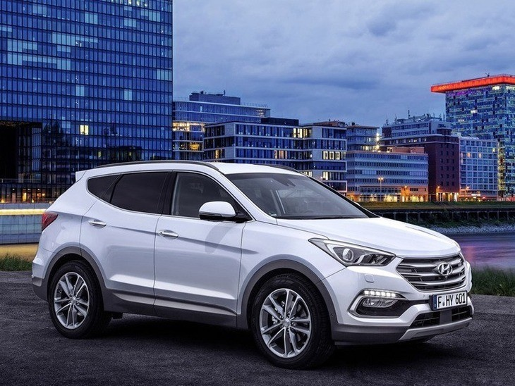 Hyundai Santa Fe New Model White Exterior Side