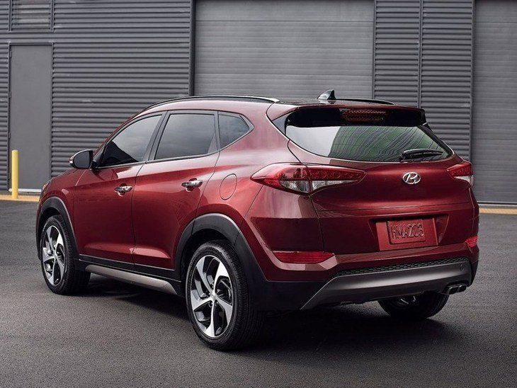 Hyundai Tucson Red Exterior Back