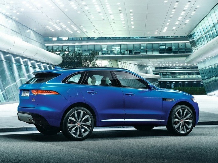 Jaguar F-PACE Blue Exterior Side
