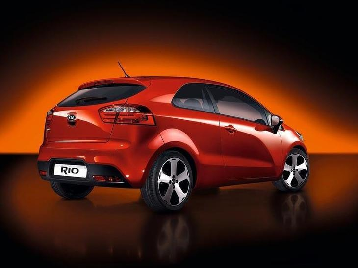 Kia Rio 3-Door Red Exterior Back