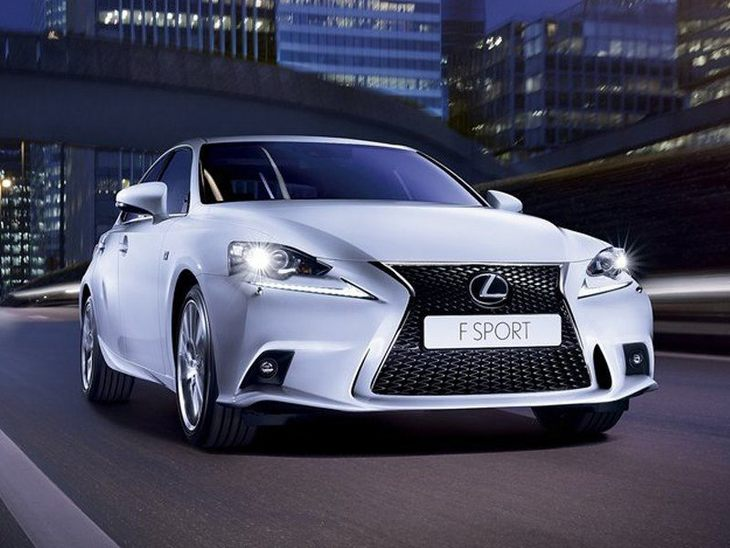 Lexus IS Saloon White Exterior Front 2