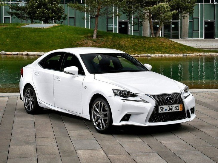 Lexus IS Saloon White Exterior Front 3