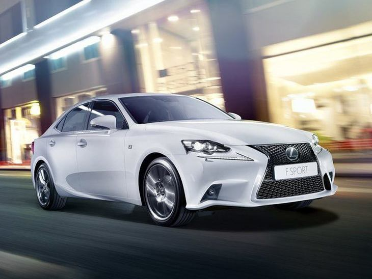 Lexus IS Saloon White Exterior Front