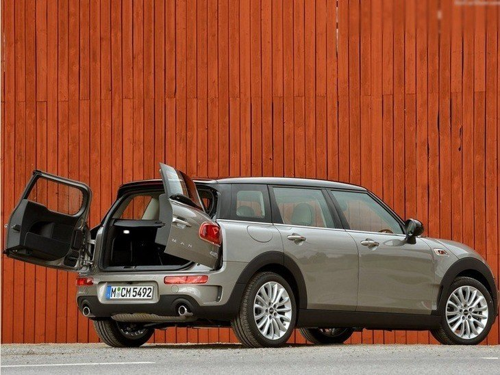 Mini Clubman Grey Exterior Back 2