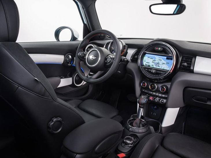 Mini Hatchback 5 Door Interior Side