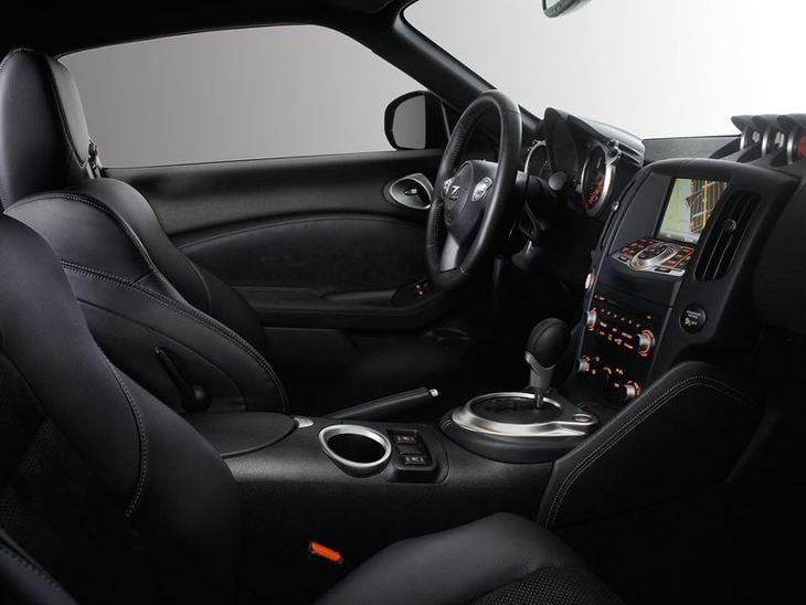 Nissan 370Z Black Interior2