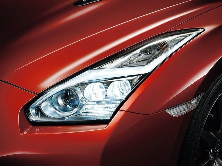 Nissan GT-R Red Exterior Light